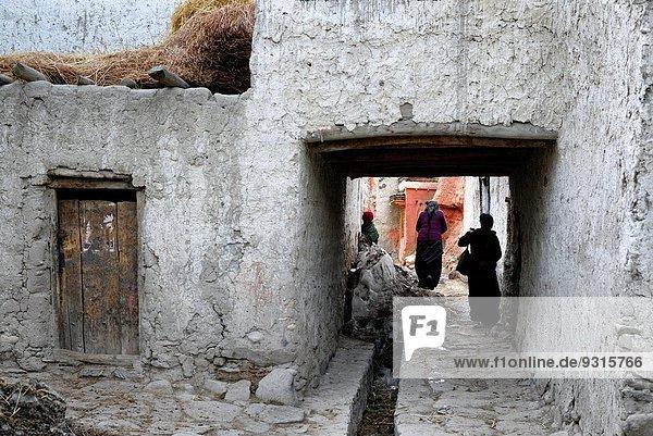 nahe Wand Straße Großstadt Hauptstadt Geschichte Grenze Mustang Nepal Tibet