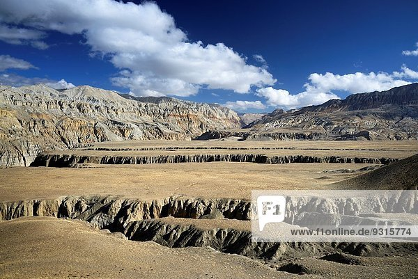 nahe Schlucht Hochebene Grenze tief Mustang Nepal Tibet