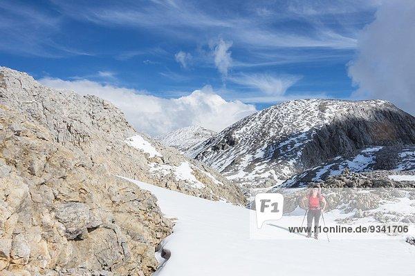 Frau beim Bergwandern am Hochkönig  Berchtesgadener Alpen  Österreich