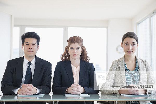 sitzend Mensch Menschen Geschäftsbesprechung Besuch Treffen trifft Business