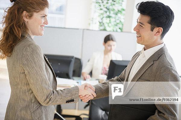 Mensch Büro Menschen Menschliche Hand Menschliche Hände Business schütteln