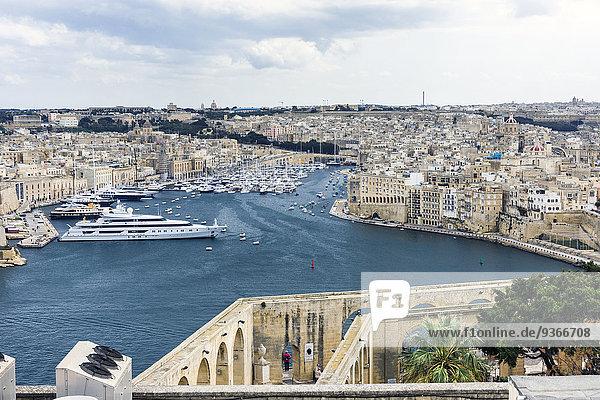 Malta  Valletta  Blick auf die Städte Cospicua  Senglea und die Vittoriosa Yacht Marina