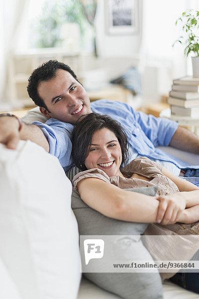 Zusammenhalt Entspannung Couch Hispanier