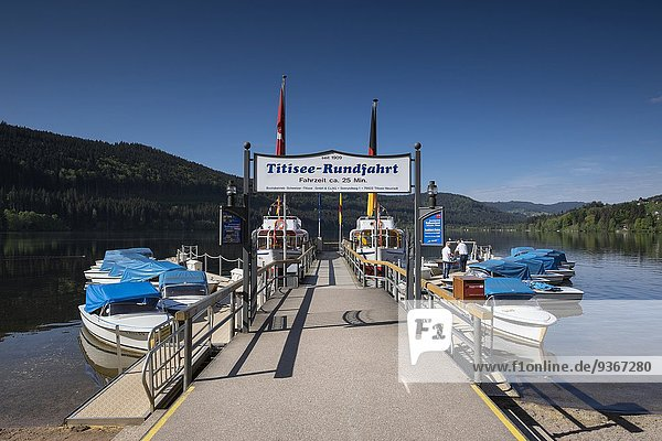 Germany  Baden-Wuerttemberg  Titisee-Neustadt  landing stage at Titisee