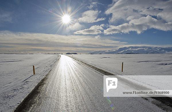 Ländliches Motiv ländliche Motive Landschaft Schnee Fernverkehrsstraße Lastkraftwagen