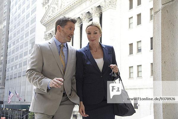 Europäer Mensch Vereinigte Staaten von Amerika USA New York City Menschen gehen Großstadt Business