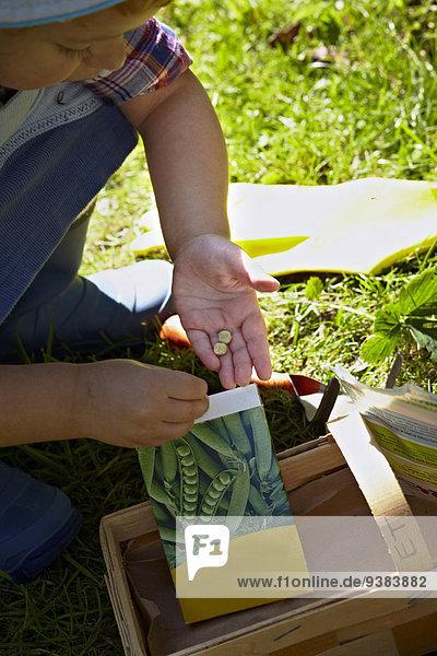 arbeiten Garten Mädchen