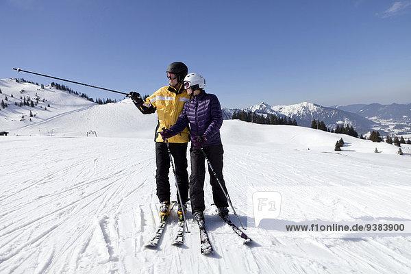 stehend Ski jung Hang