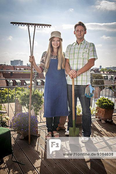 halten Balkon Garten Rechen Schaufel