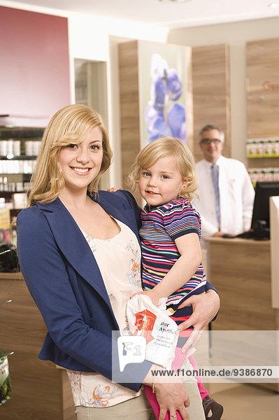 Pharmazie Tochter Mutter - Mensch Apotheke