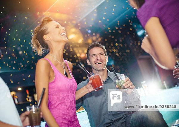 Mensch Menschen Fest festlich Nachtklub jung