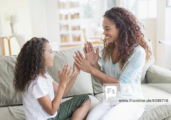 klatschen Spiel Tochter 5-9 Jahre 5 bis 9 Jahre Mutter - Mensch spielen