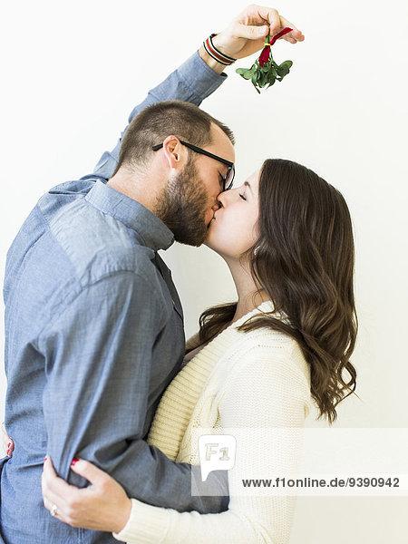 küssen unterhalb Mistel
