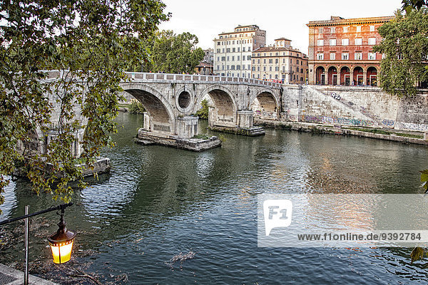 Rom Hauptstadt Europa fließen Fluss Italien Ponte Sisto Trastevere