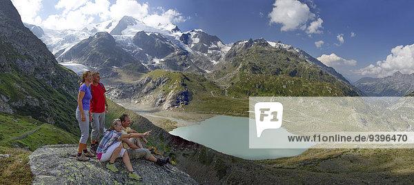 Frau Mann ruhen gehen Weg Eis wandern Moräne Wanderweg Bergsee Rest Überrest