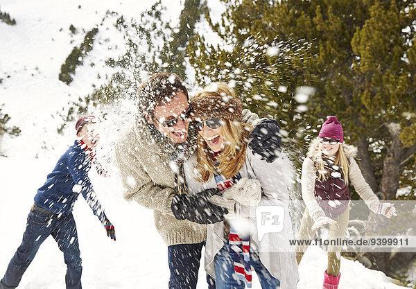 Freundschaft,spielen,Schnee