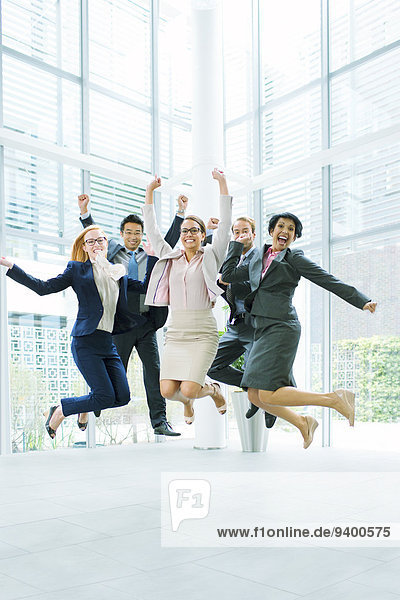 Mensch,Büro,Menschen,Gebäude,springen,Business