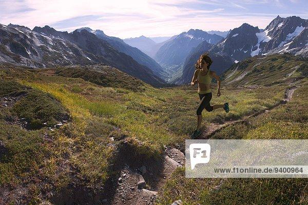 Frau Berg folgen rennen