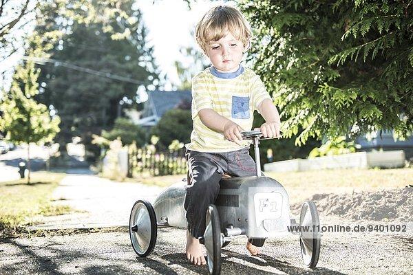 Junge - Person Auto fahren Spielzeug jung Junge - Person,Auto,fahren,Spielzeug,jung