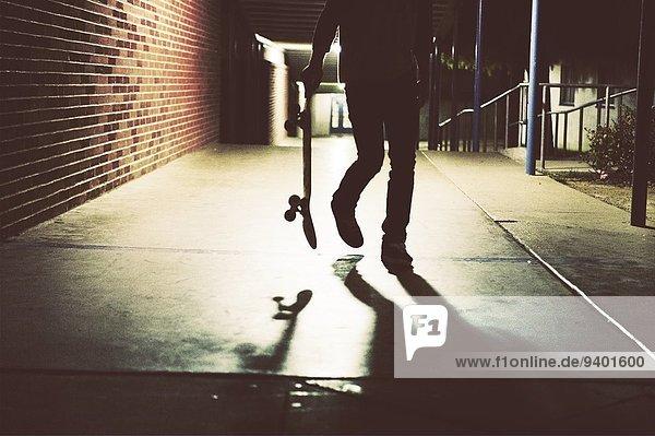 einsteigen halten Skateboarder