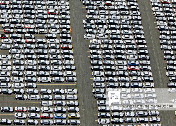 Vereinigte Staaten von Amerika USA New York City Auto Großstadt parken neu