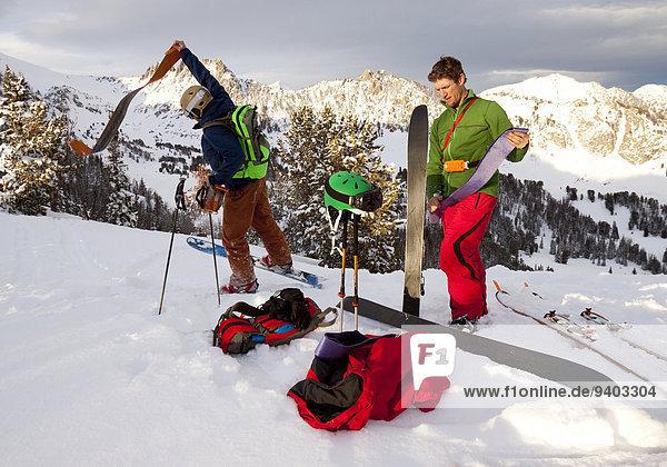 nahe Ski ziehen Himmel Sport groß großes großer große großen unbewohnte entlegene Gegend 2 Bienenstock