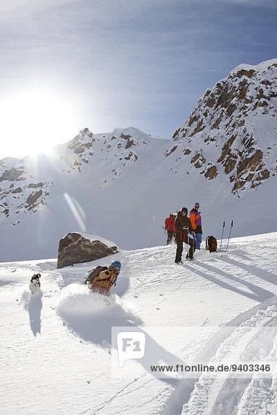 nahe Himmel groß großes großer große großen unbewohnte entlegene Gegend Ski Bienenstock