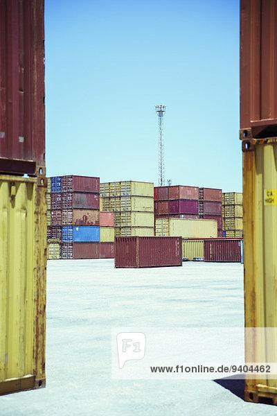 Gestapelte Frachtcontainer