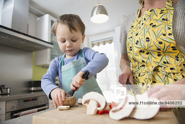 Junge - Person schneiden Mutter - Mensch