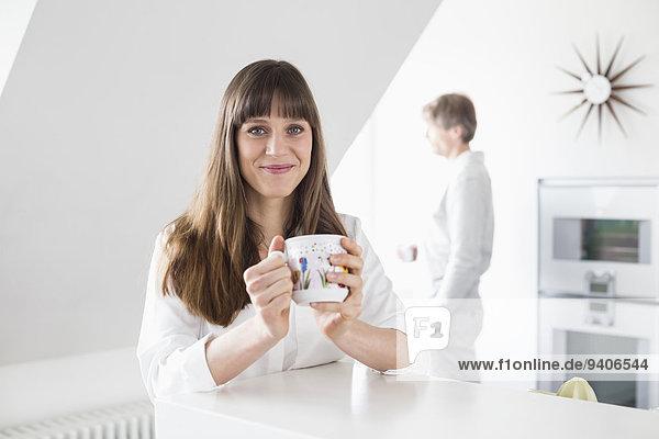 Portrait Frau Mann Tasse Hintergrund Kaffee