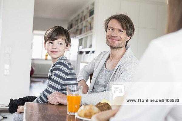 lächeln Tisch Frühstück