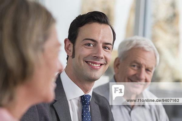 Portrait Mann lächeln Mann und Frau