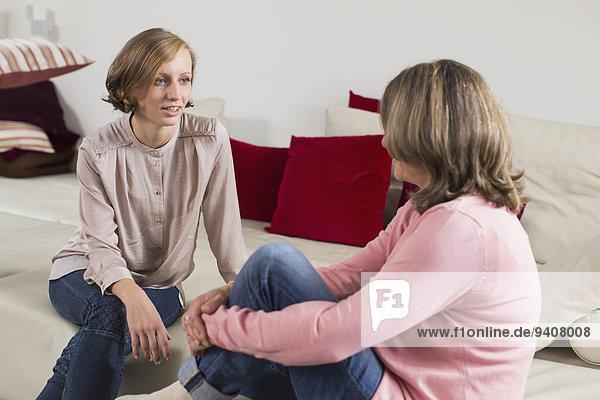 sprechen Tochter Mutter - Mensch Erwachsener