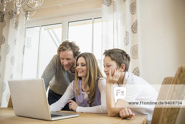 Interior zu Hause benutzen Notebook