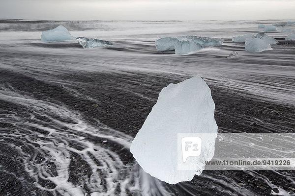 Eis am Strand  Jökulsárlón  Austurland  Island