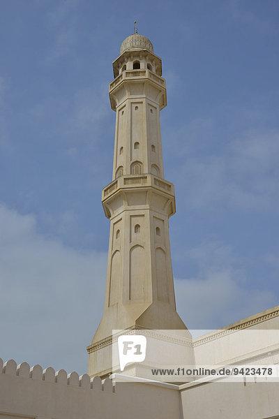 Minaret of the Sultan Qaboos Grand Mosque  classical Medina architecture  Salalah  Orient  Oman