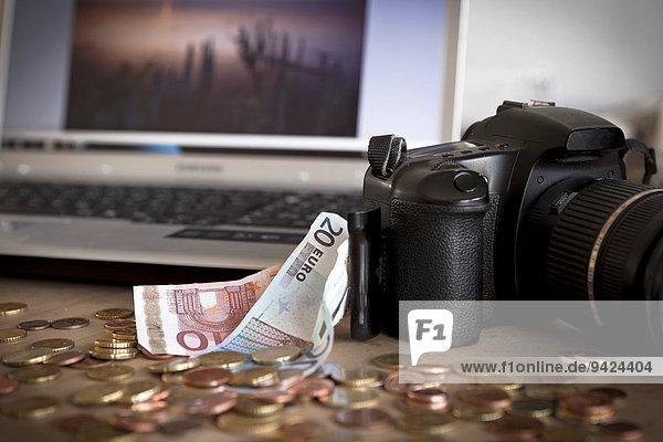 Geld  Kamera  Computer  mit Fotos Geld verdienen
