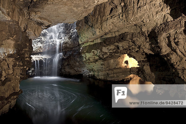 Die Caves of Smoo bei Durness  Schottland  Großbritannien  Europa