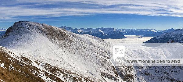 Alpstein mit Rheintal in der Ostschweiz  Schweiz  Europa