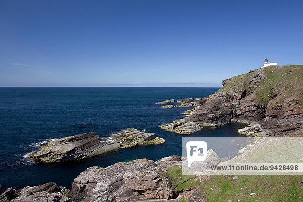Leuchtturm am Point of Stoer an der Schottischen Atlantikküste  Schottland  Großbritannien  Europa