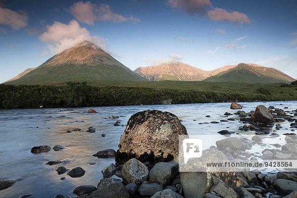 Der River Sligachan auf der Isle of Skye  Highland Council  Schottland  Großbritannien  Europa