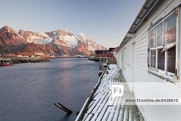 Holzhäuser  Henningsvaer  Lofoten  Norwegen  Europa  ÖffentlicherGrund