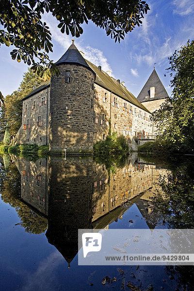 Wasserburg Haus Kemnade  Hattingen  Ruhrgebiet  Nordrhein-Westfalen  Deutschland