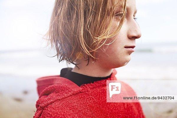 Girl looking away  portrait