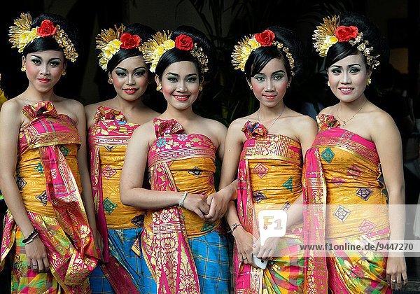 Strand Tänzer Festival Indonesien Südostasien