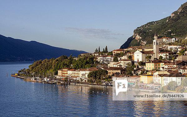 Gardasee  Ortsansicht  Limone sul Garda  Lombardei  Italien  Europa