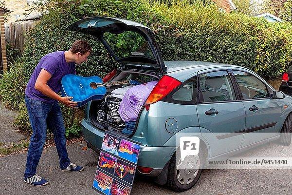 Wohnhaus Vorbereitung verlassen gehen Student Universität