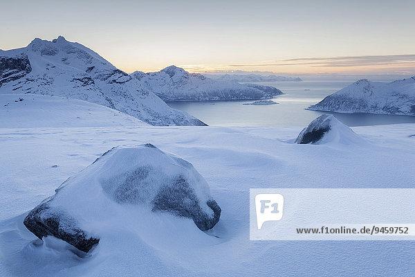 Ausblick vom Humpen  Kvaloya  Tromvik  Troms  Norwegen  Europa