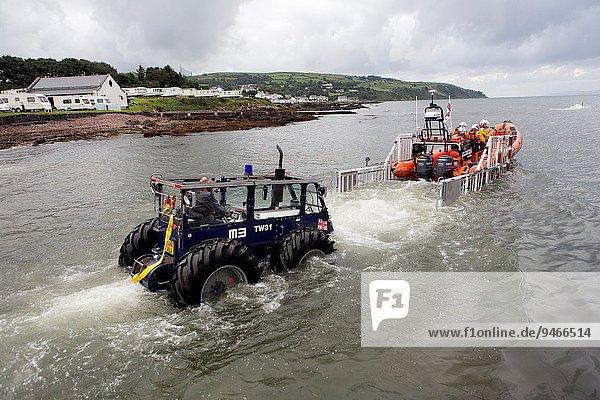 rot Freiwilliger Bucht Rettungsboot