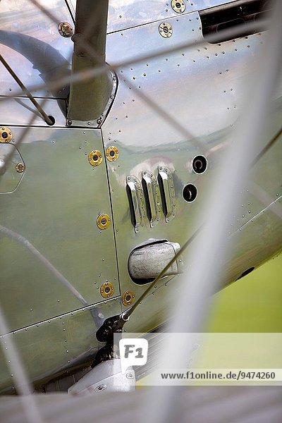 zeigen Großbritannien Krieger Himmel Luftfahrzeug Flugplatz Bedfordshire Doppeldeckerflugzeug Doppeldecker Kollektion Dämon alt